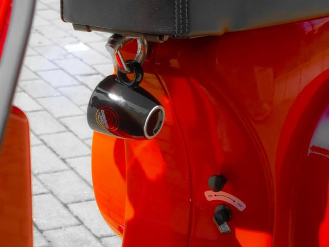Espressotasse unterwegs mit Vespa - Einfach nur Kaffee